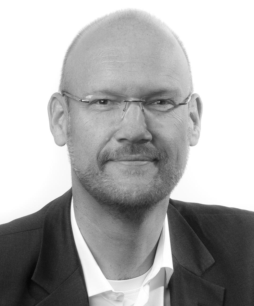 Walter-Koch_Mvideo_bw